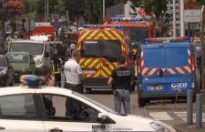 Francia: aggressori uccidono prete. Isis rivendica