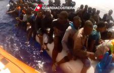 Salvati 3.300 migranti. Sette raccolti senza vita