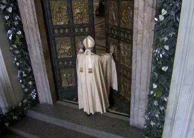 Francesco apre Porta Santa
