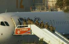 Aereo libico a Malta: saltano le riprese di un film su un dirottamento vero