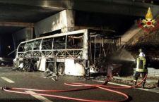Verona: incidente a bus ungherese. 16 ragazzi bruciati vivi