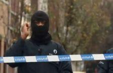 Bruxelles e Londra: attaccati poliziotti con un coltello. Ucciso terrorista. Drone sospetto sul Vaticano