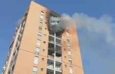 Milano: incendio in edificio di 13 piani