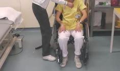 Usa: tre pazienti paralizzati per lesioni al midollo riprendono a camminare
