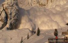 Valanga di neve travolge almeno 10 sciatori al Sestriere