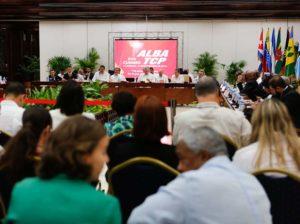 Maduro propone relanzamiento de Petrocaribe y zona económica del Alba