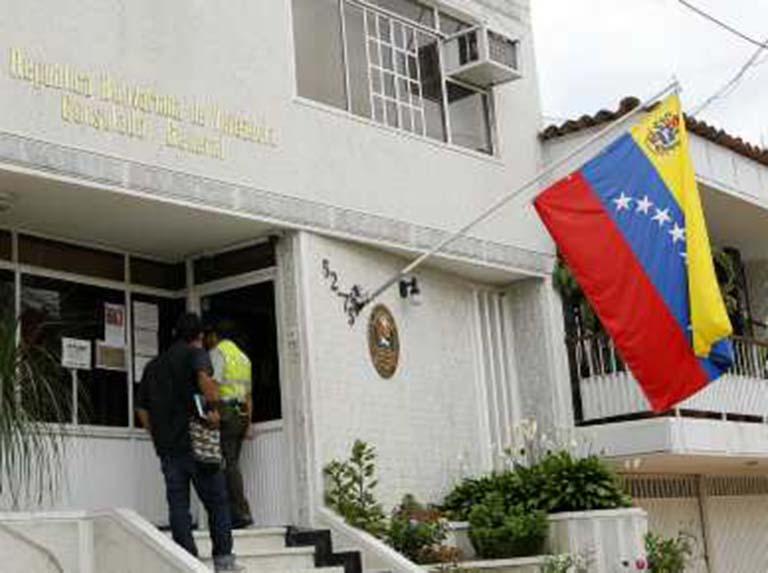 Venezuela dispuesta a reestablecer relaciones consulares con Colombia