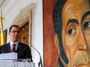 Arreaza condena declaraciones de Macron contra Venezuela