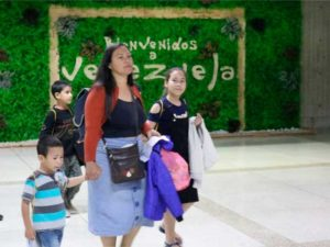 Regresan 250 connacionales desde Perú con el Plan Vuelta a la Patria