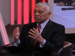 Claudio Fermín respalda medidas del Gobierno contra covid-19