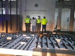 Cliver Alcalá confiesa que las armas son de Guaidó y de EEUU