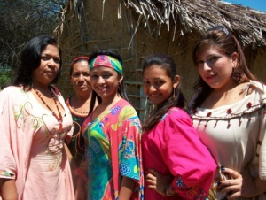 Líderes indígenas rechazan actos racistas contra la mujer wayúu