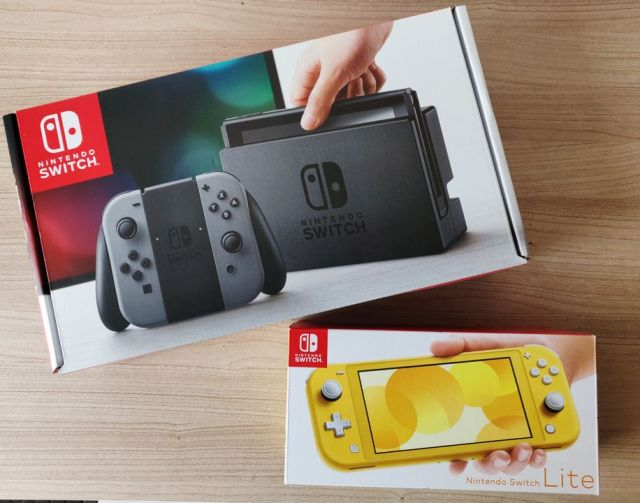 Nintendo Switch Lite et Nintendo Switch Classic Packaging