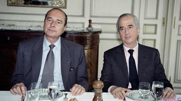 Le Premier ministre Edouard Balladur et le président du RPR Jacques Chirac lors d\'un déjeuner le 20 avril 1993 à l\'hôtel Matignon à Paris.