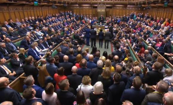 La Chambre des communes lors de la séance extraordinaire du 19 octobre 2019 sur l\'accord de Brexit, à Londres (Grande-Bretagne).