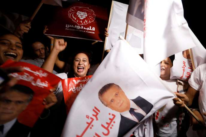 Des soutiens du candidat à la présidentielle tunisienne Nabil Karoui, le mercredi 9octobre, au moment de sa libération.