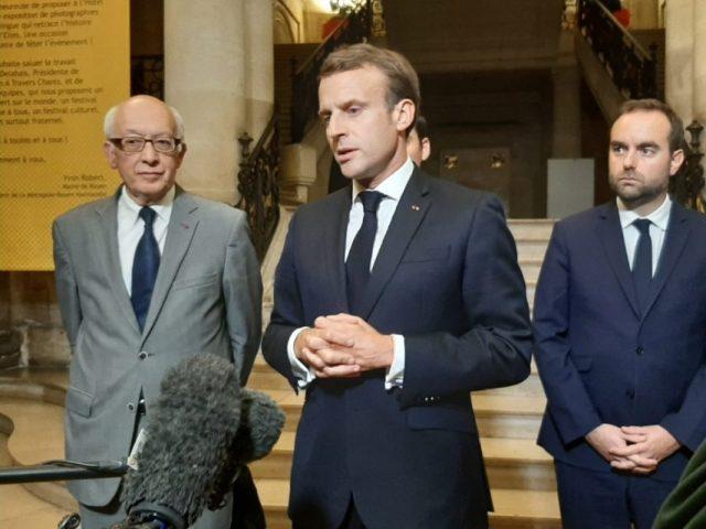 Le président de la république est venu donner un «message d'amitié et de soutien aux Rouennaises et aux Rouennais », mercredi 30 octobre 2019.