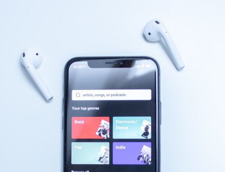 iOS 13: Comme Apple Music, Spotify intègre désormais Siri