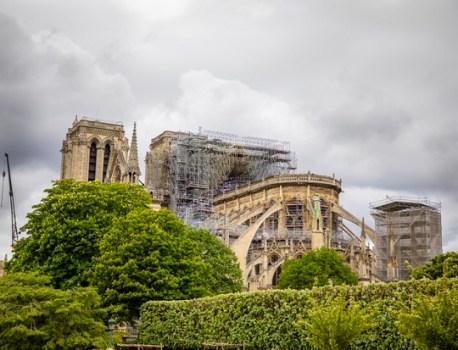 Notre Dame de Paris : élan de solidarité et arnaques en tout genre