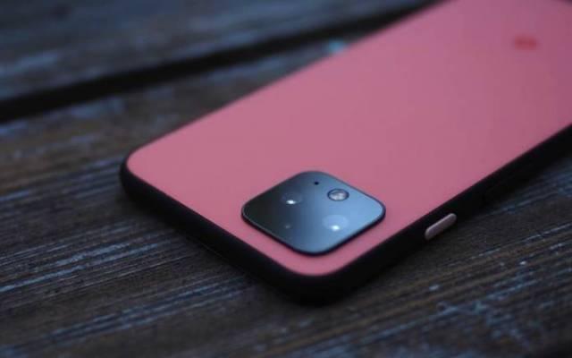 Google Pixel 4 charging