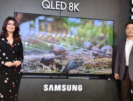 Samsung's new QLED TV ad uses burn-in on OLED TVs to sell the message
