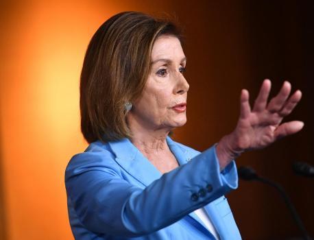 """""""Vous n'êtes pas au-dessus des lois"""" : Nancy Pelosi charge Donald Trump, qui refuse de coopérer à l'enquête… – franceinfo"""