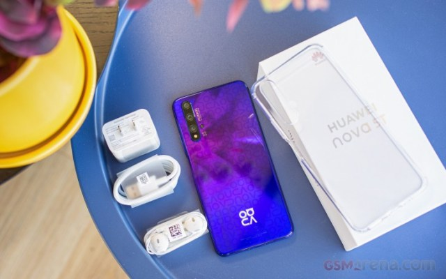 Huawei nova 5T in for review