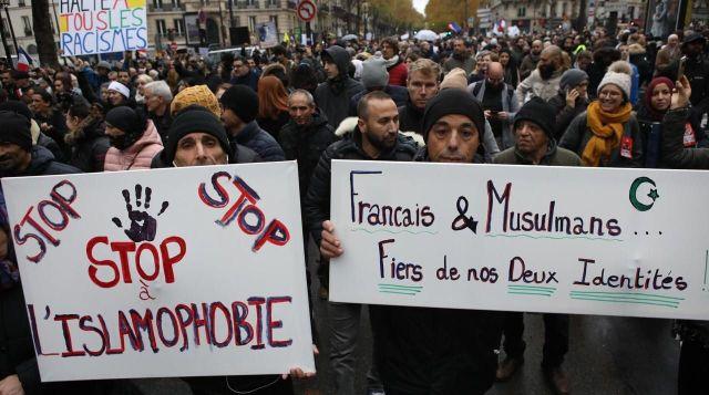 À Paris, lors de la manifestation contre l'islamophobie ce dimanche. LP/Olivier Arandel