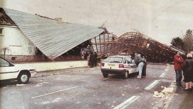 La tempête du siècle a balayé la France le 26 décembre 1999. De nombreux bâtiments ont été détruits en l'espace de quelques heures.