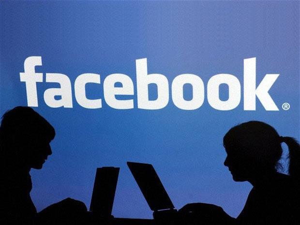 Un employé de Facebook licencié pour avoir accepté des pots-de-vin