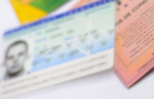 Vers la refonte des cartes d'identité, bientôt dotées d'un nouveau format et d'une puce