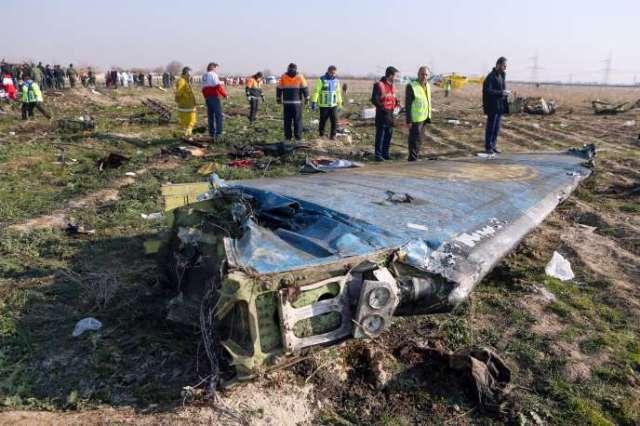 Sur les lieux du crash du Boeing 737de la compagnie Ukraine International Airlines qui s'est écrasé près de Téhéran, le 8 janvier, peu après son décollage.