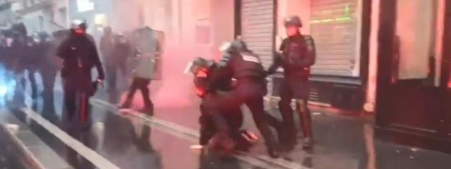 Capture d\'écran des affrontements place Saint-Augustin à Paris, le 9 janvier 2020.