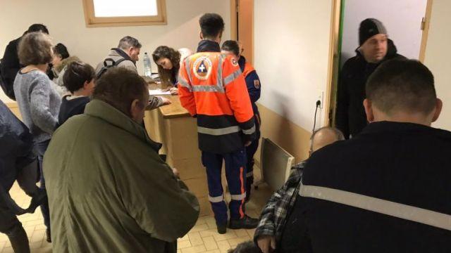 A Limoux, dans l'Aude, 34 personnes ont trouvé refuge dans un gymnase en début d'après-midi. / © FTV / F. Guibal