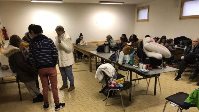 Les habitants évacués à Limoux, dans l'Aude, le 22 janvier en début d'après-midi. / © FTV / F. Guibal