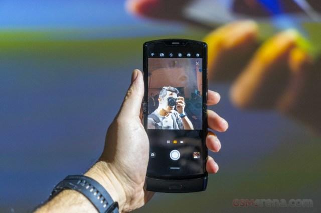 Motorola Razr retail box teased by company executive