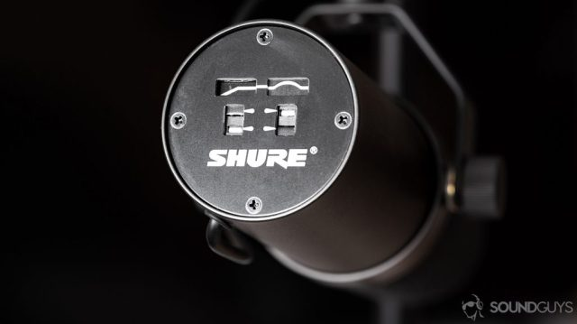 A photo of the Shure SM7B dynamic microphone's' frequency response illustration on the back of the microphone.