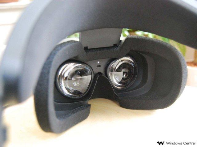 Oculus Rift S lenses