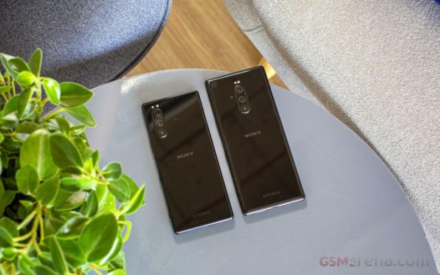 Sony sells 1.3 million smartphones during the holiday period