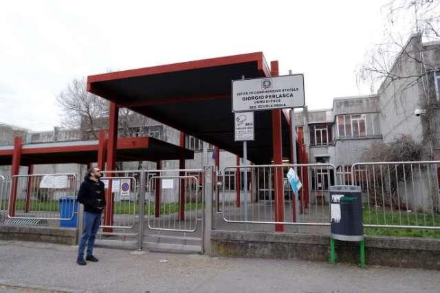 Une école fermée pour cause de coronavirus à Bareggio, près de Milan, le 29 février.