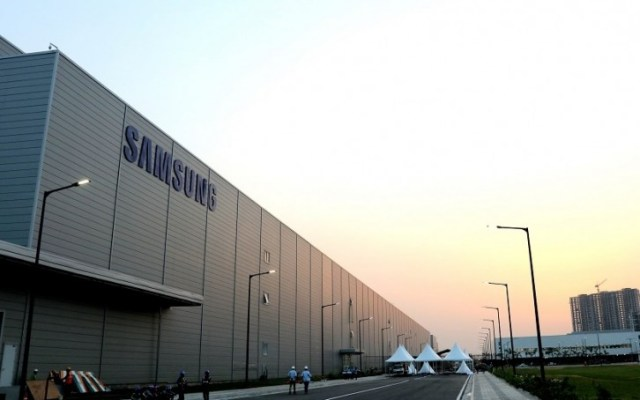 Samsung temporarily closes its smartphone factory in India