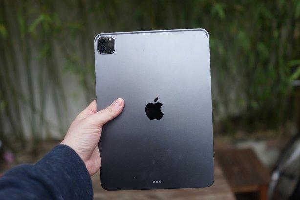 Le dos de l'iPad est lissé