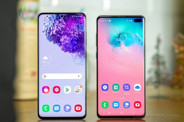 Galaxy S20+ (left) next to Galaxy S10+ (right)