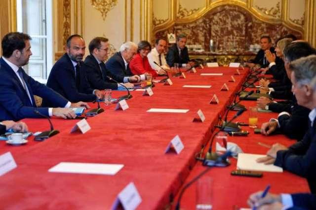Edouard Philippe au début d'une réunion avec tous les dirigeants des partis politiques, à l'hôtel Matignon, à Paris, le 20 mai.