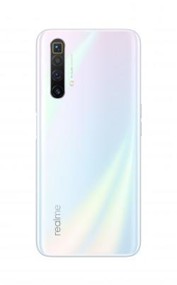 Realme X3 SuperZoom in Arctic White