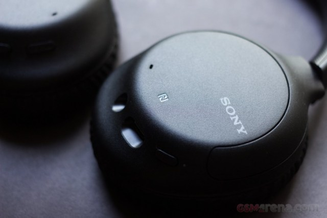 Sony WH-CH710N wireless noise-canceling headphones review