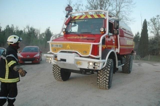 D'importants moyens sont mobilisés, ce lundi 27 juillet 2020, au Tuzan (Gironde), entre Saint-Symphorien et Hostens pour lutter contre l'incendie.