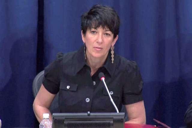 Ghislaine Maxwell, associée de longue date du trafiquant de sexe présumé Jeffrey Epstein, lors d'une conférence à l'ONU,à New York, le 25 juin 2013.