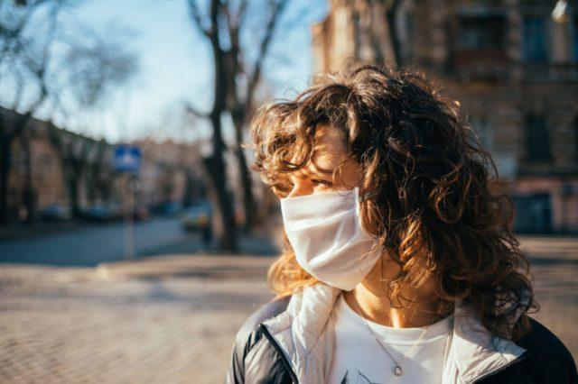 A Toulouse et en Haute-Garonne, le port du masque est désormais obligatoire pour aller récupérer ses enfants à l'école.