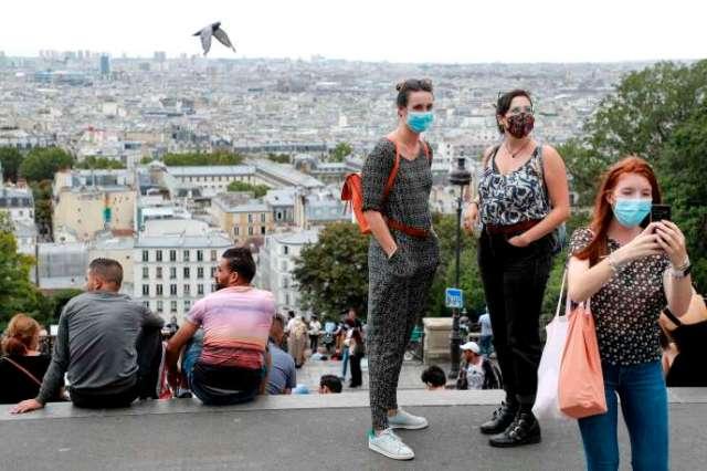 Devant le Sacré-Coeur dans le quartier de Montmartre à Paris, le 27 août.